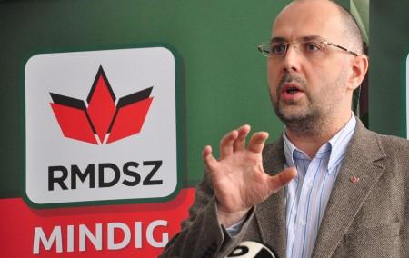 UDMR nu mai susține PSD-ALDE, până la soluţionarea situaţiei cimitirului din Valea Uzului