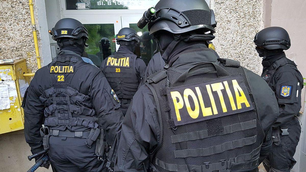 Peste 800 de percheziţii pentru destructurarea grupărilor de criminalitate organizată, desfăşurate în perioada ianuarie-martie 3
