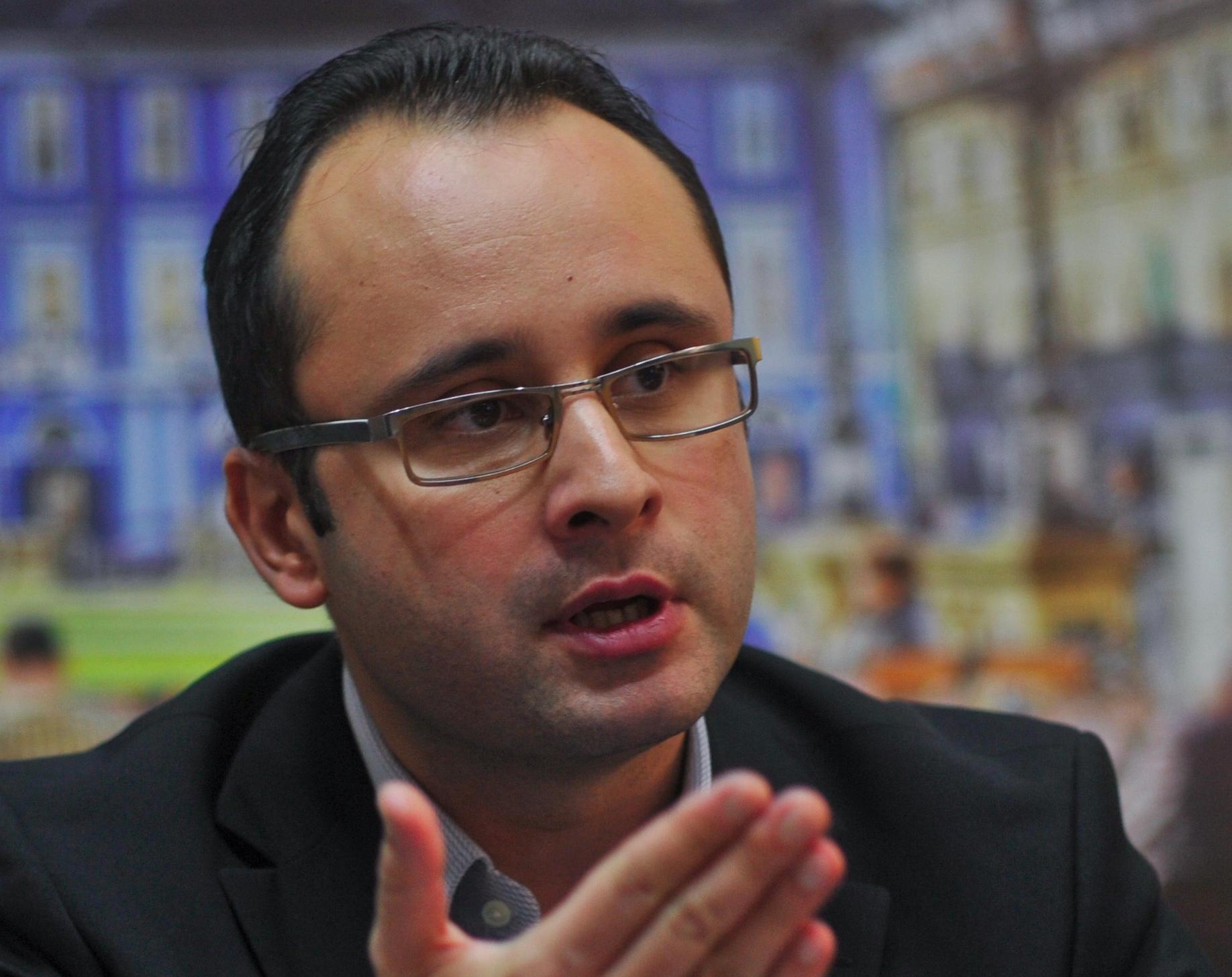 ALERTĂ. Campanie Fără precedent în România. Se trâng semnături pentru Demiterea Vioricăi Dăncilă