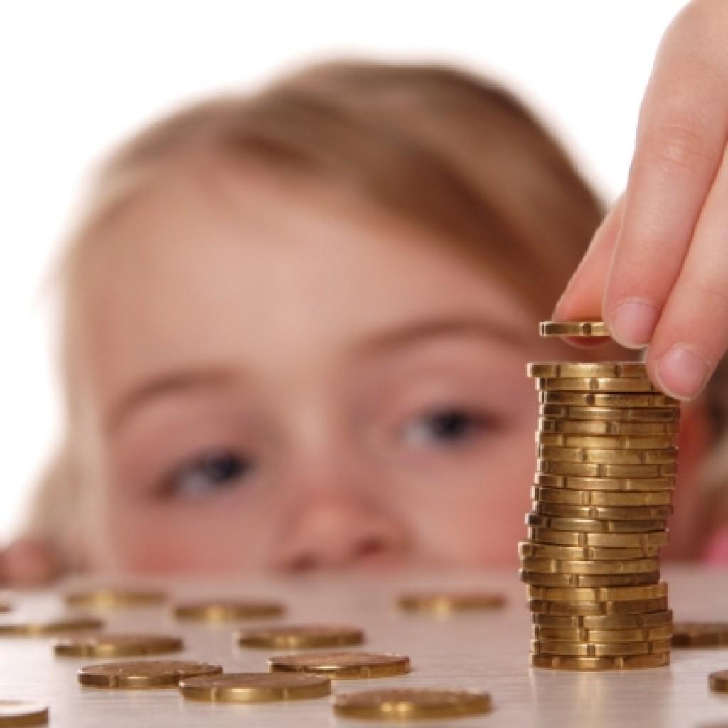 Newsbucuresti.ro: Sancţiuni de până la 2.000 de lei pentru cei care strâng fondul clasei. Ce spun părinții 24