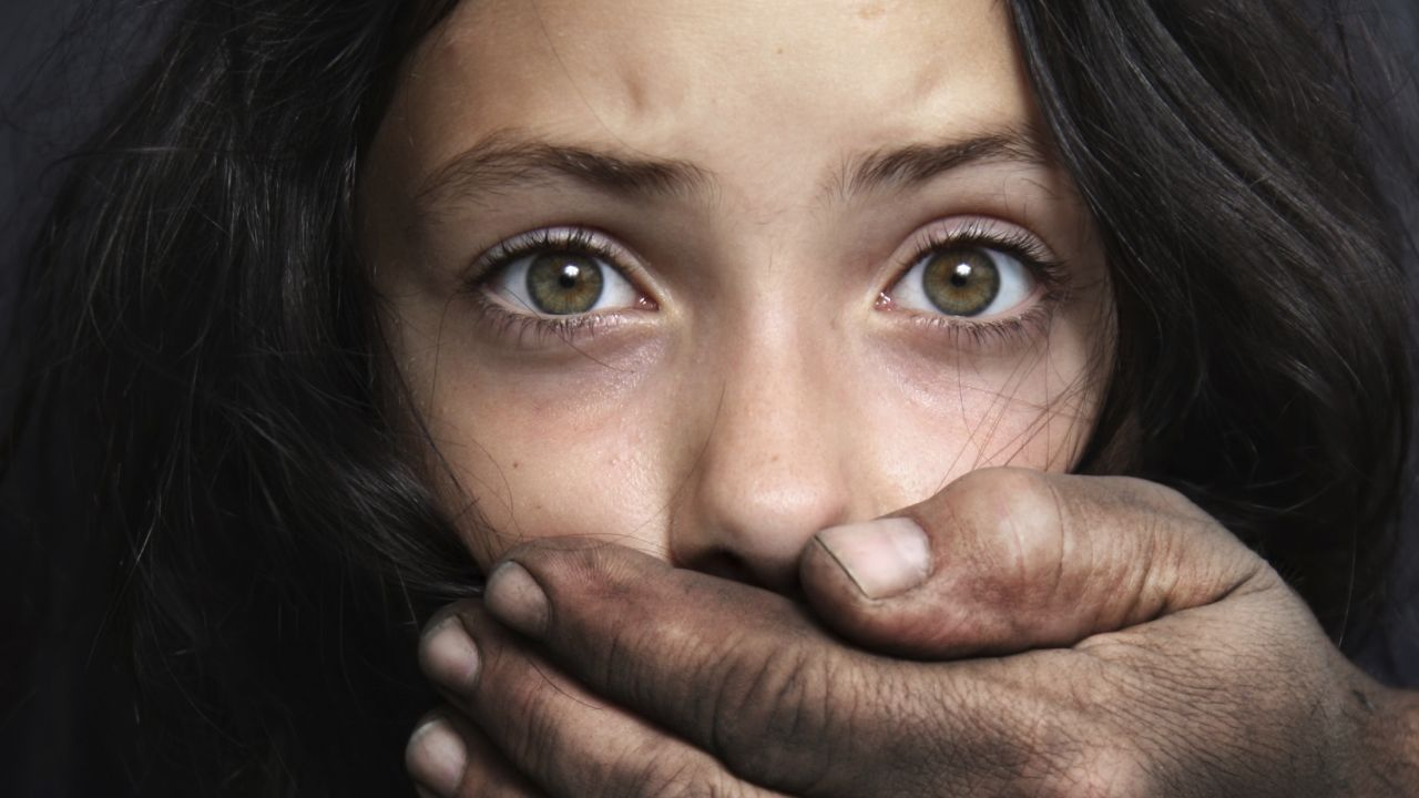 CRIMINAL! Bărbat de 58 de ani, arestat preventiv pentru agresarea sexuală a unei fete de 14 ani 3