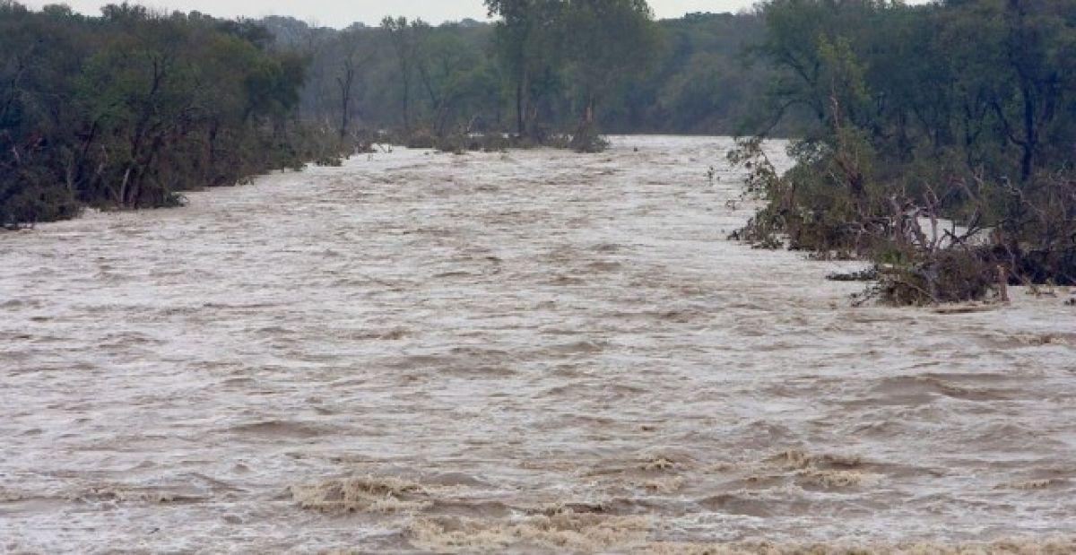 ALERTĂ METEO! Cod roşu de inundaţii, în judeţele Bihor şi Cluj 23