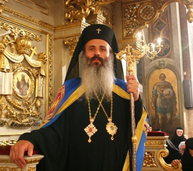 Referendumul pentru familie a ajuns și în Biserică. Mitropolitul Moldovei și Bucovinei îndeamnă lumea să meargă la vot