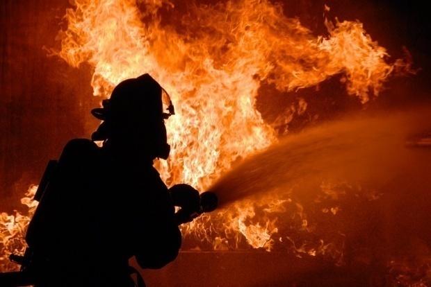 Incendiu puternic la Medlife Titan. Au intervenit patru autospeciale