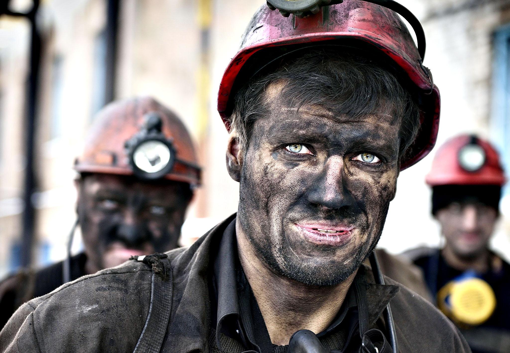 ALERTĂ! Minerii nu renunță la proteste! Aproape 100 de ortaci s-au blocat în subteran! 3
