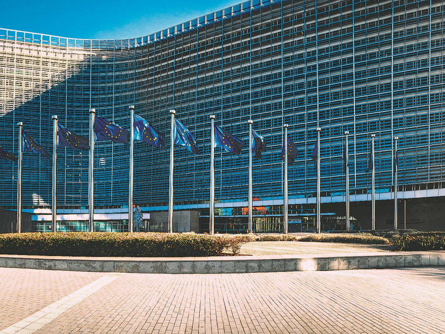 Parlamentul European: Acreditări suspendate pentru eurodeputaţii spanioli după un incident cu Puigdemont
