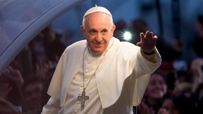 Newsbucuresti.ro: Papa Francisc cere suspendarea drepturilor de proprietate asupra vaccinurilor COVID 62