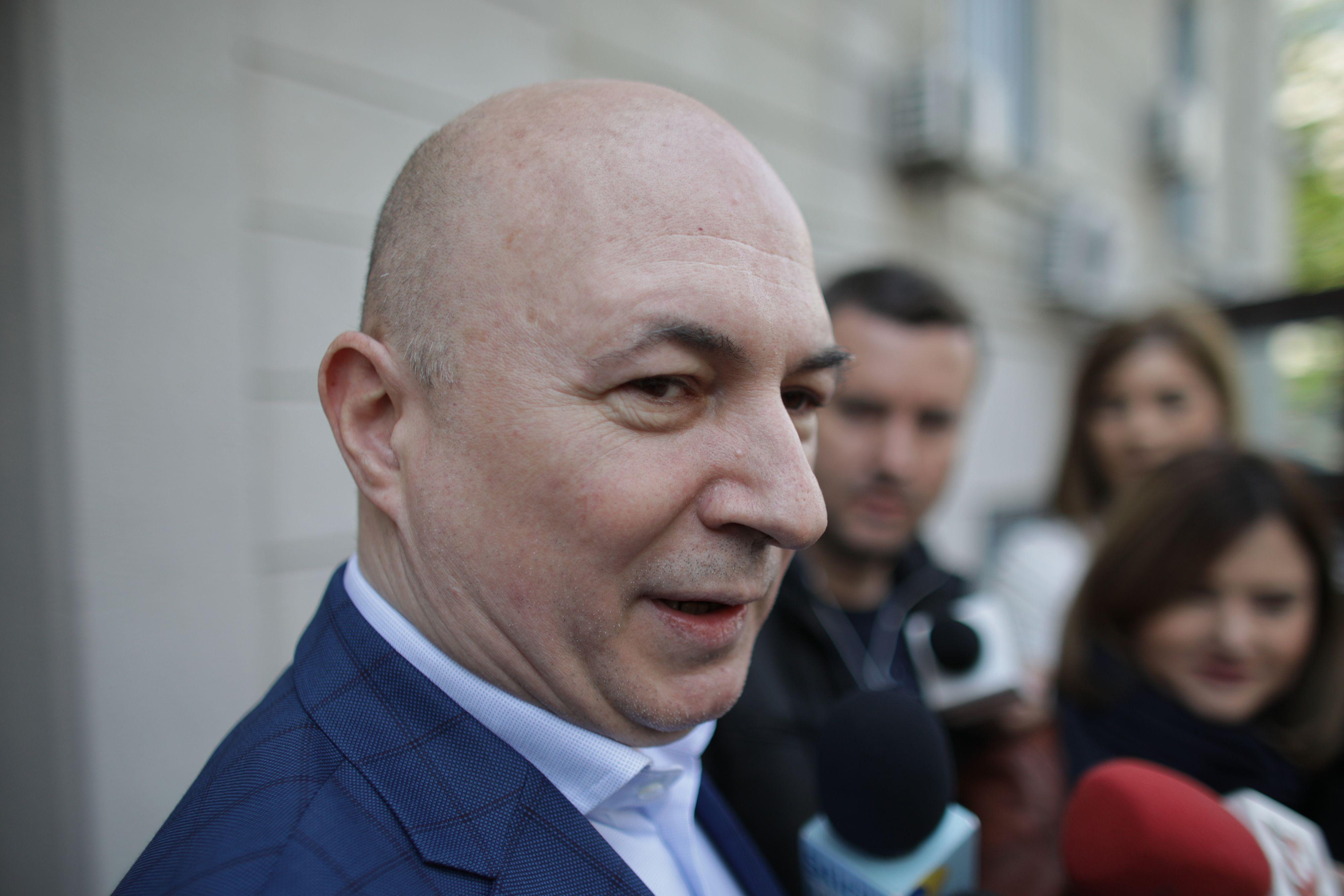 VIDEO. Codrin Ștefănescu audiat de procurorii DNA. Fostul număr doi în PSD are calitatea de suspect 14