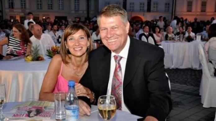 Ce a transmis soția președintelui, Klaus Iohannis, Carmen în prima zi de școală. FOTO 8