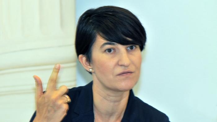 Newsbucuresti.ro: Violeta Alexandru: Rezultatul concursurilor privind şefia caselor judeţene de asigurări de sănătate ne priveşte pe toţi 3