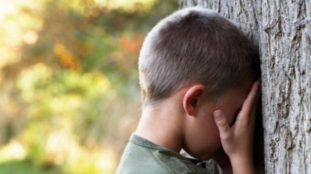 ȘOCANT! Copil român, abuzat sexual de un profesor în Franța. Dascălul lăsat să profeseze în continuare 10