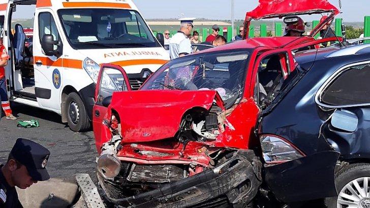 Dramă în ziua de Crăciun. Trei morți într-un cumplit accident rutier. Alți patru răniți 26