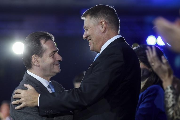 Președintele și premierul merg luni în Parlament. Iohannis și Orban la ședința solemnă dedicată Zilie Naționale