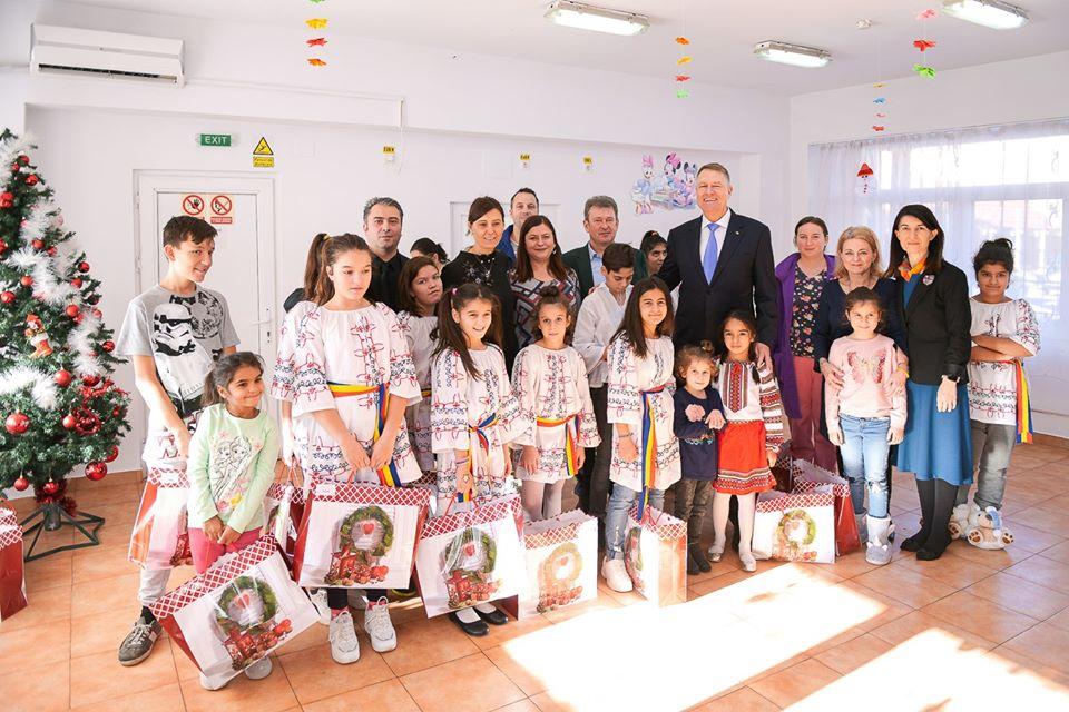 Parlamentarii au dublat alocațiile copiilor. Mesajul lui Iohannis. FOTO 19