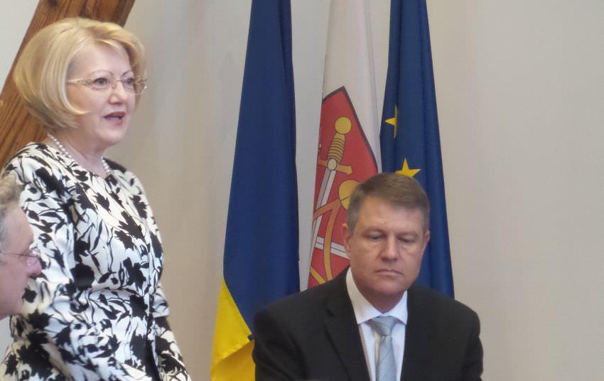 Veste Tristă. Klaus Iohannis în doliu. A murit mama primarului Astrid Fodor. FOTO