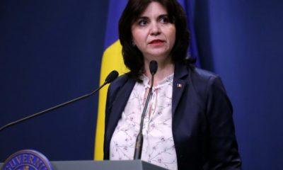 Ministrul educației Monica Anisie: Materia neparcursă, recuperată anul viitor; nu se vor susţine teze 9