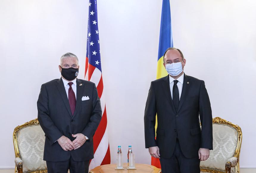 Ambasadorul SUA, Adrian Zuckerman, pleacă acasă! 1