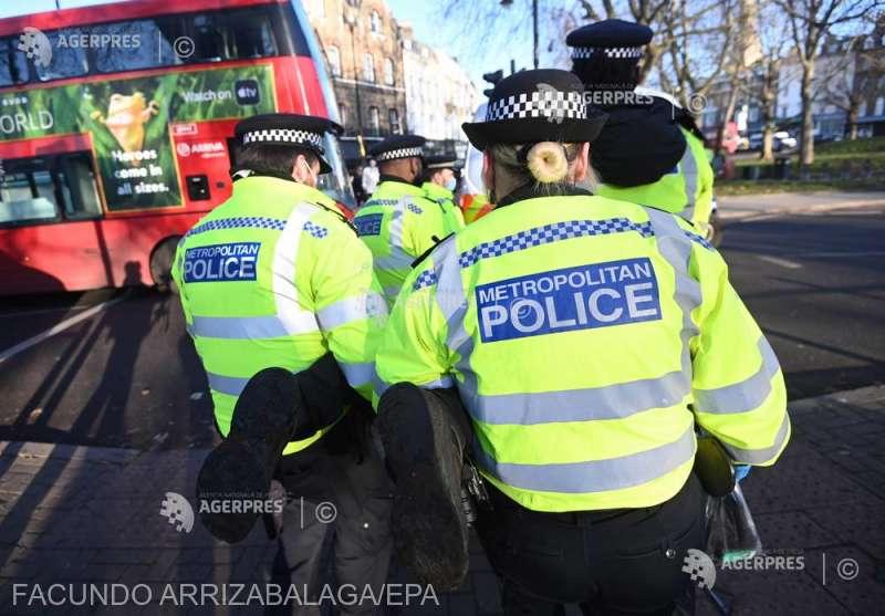 ALERTĂ! Un mort şi 10 răniţi într-o serie de incidente cu cuţite în sudul Londrei 1
