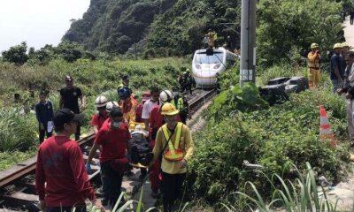 VIDEO! TRAGEDIE! 51 de persoane și-au pierdut viața într-un accident feroviar! S-a decretat doliu național 12