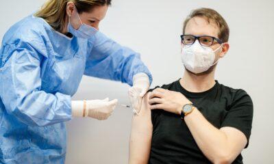 Primarul Timișoarei,Dominic Fritz s-a vaccinat cu AstraZeneca! 16