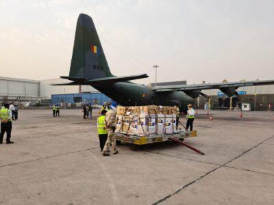 Newsbucuresti.ro:Echipamentele medicale trimise Indiei au ajuns la New Delhi. FOTO 10