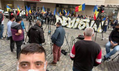 ALERTĂ! AUR protestează la Ministerul Sănătăţii! Se cere demisia lui Voiculescu! 20