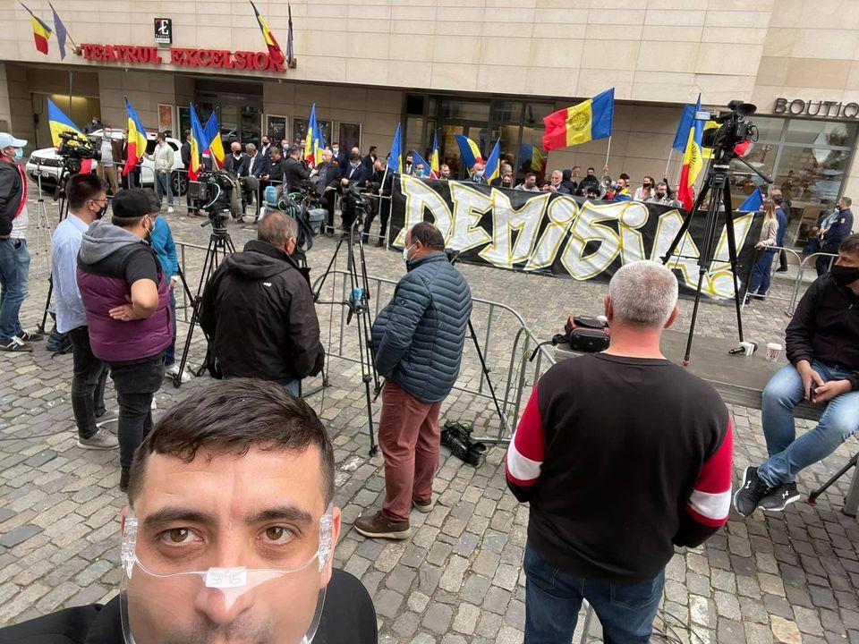ALERTĂ! AUR protestează la Ministerul Sănătăţii! Se cere demisia lui Voiculescu! 5