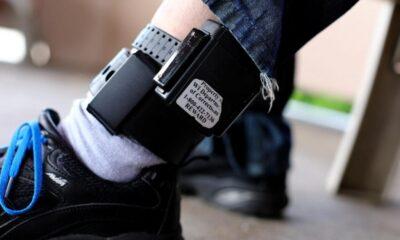 Legea care prevede utilizarea brăţării electronice pentru monitorizarea prin GPS în cadrul unor proceduri penale intră în vigoare vineri 39