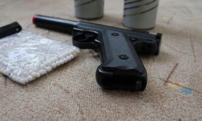 Alertă! Doi adolescenţi au fost răniţi în zona feţei după ce un tânăr a tras asupra lor cu un pistol air soft cu bile din ceramică 15