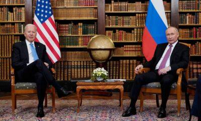 Biden i-a oferit cadou lui Putin o pereche de ochelari de aviator pe comandă şi o sculptură din cristal reprezentând un bizon american 6