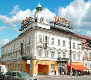 Newsbucuresti.ro: Daniel Ghiță acuză Budapesta! Ungurii cumpără clădiri istorice din Transilvania! FOTO 10