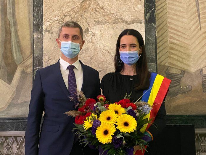 Newsbucuresti.ro: Dan Barna: Aveţi încredere în Clotilde Armand, face curăţenie. Pesediștii vor înapoi la butoane 1