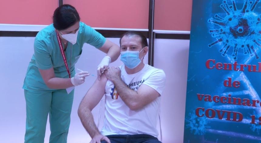 BOMBĂ! Vaccinarea devine obligatorie în România! Anunțul făcut de consilierul lui Cîțu! FOTO 1