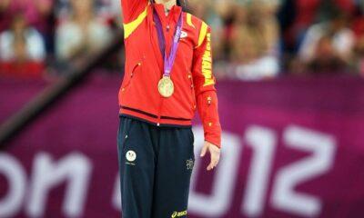 Lovitură dură pentru PSD! Marea gimnastă Snadra Izbașa, cere să-i fie retras titlul de cetățean de onoare! FOTO 4