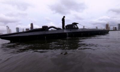 Un submarin ce transporta 1,8 tone de cocaină, capturat lângă coasta sud-vestică a Columbiei 13