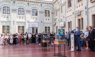"""Newsbucuresti.ro: Liceul Gheorghe Lazăr, primul care implementează proiectul pilot """"România Educată"""" 10"""