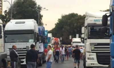 Newsbucuresti.ro: Transportatorii vor protesta miercuri, cu 100 de TIR-uri, în faţa Guvernului. Care sunt nemulțumirile 27