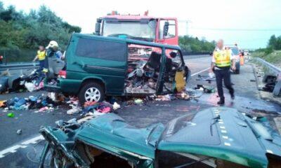 TRAGEDIE! Cinci persoane aflate într-un microbuz românesc au murit într-un accident produs pe autostrada M1 din Ungaria 27